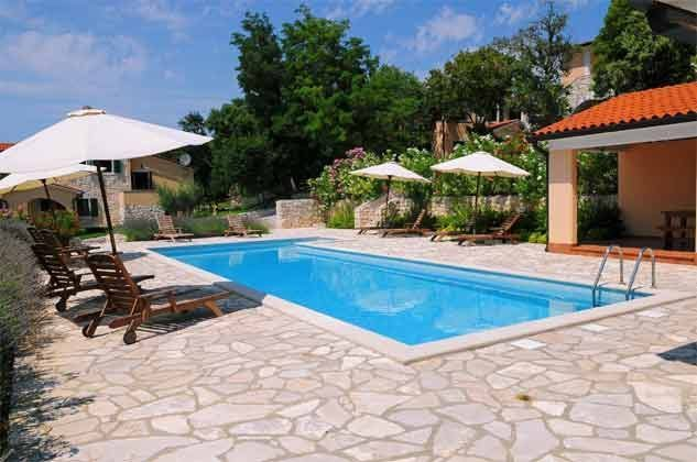 Pool 1 mit Grillterrasse - Bild 4 - Objekt 160284-141