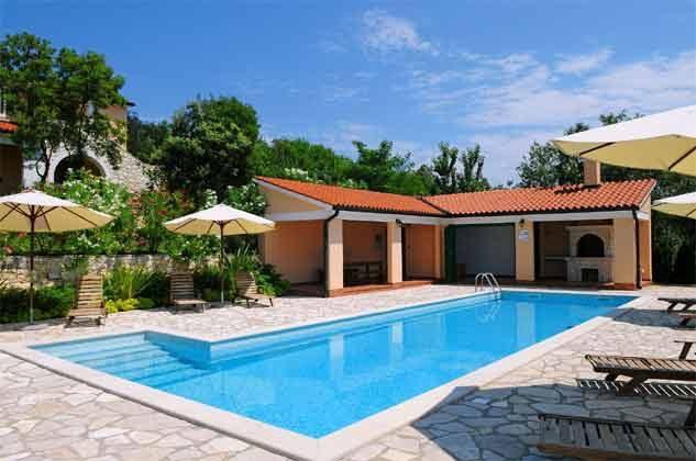 Pool 1 mit Grillterrasse - Bild 1 - Objekt 160284-141
