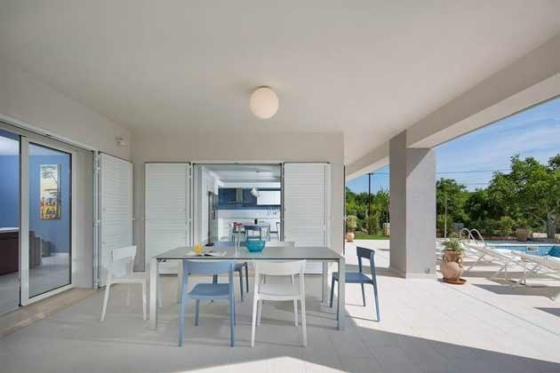 Terrasse von der Küche und vom Wohnzimmer aus begehbar - Objekt 138493-24