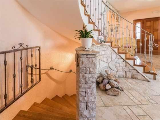 Treppe ins Kellergeschoss Spielecke im Kellergeschoss - Objekt 160284-229