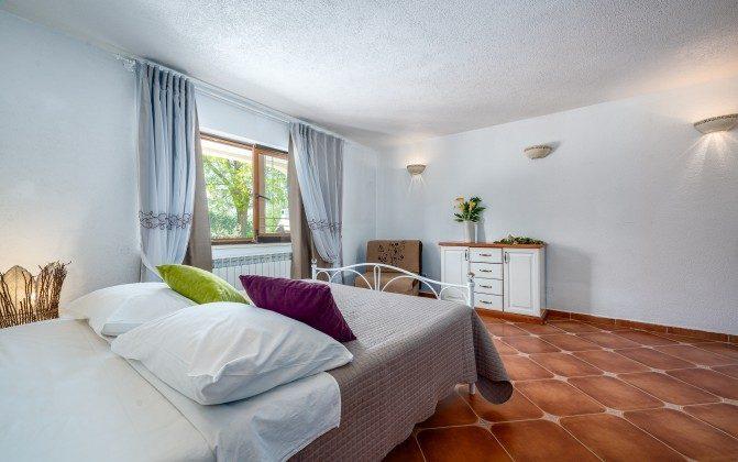 Schlafzimmer 1 von 4 - Bild 1 -  Objekt 160284-310