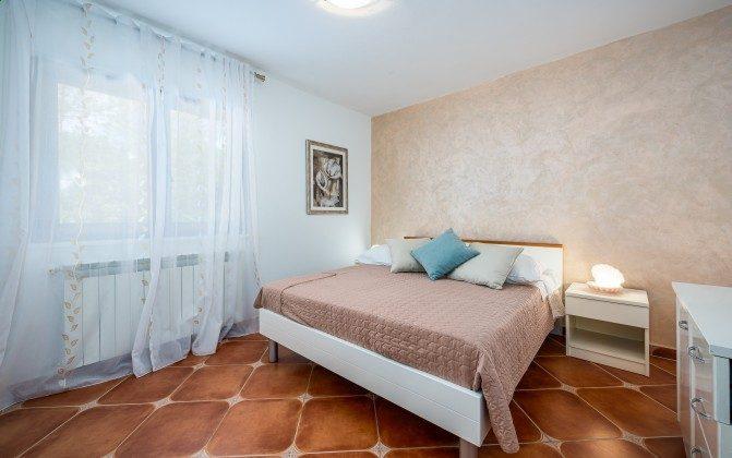 Schlafzimmer 2 von 4 - Bild 1 -  Objekt 160284-310