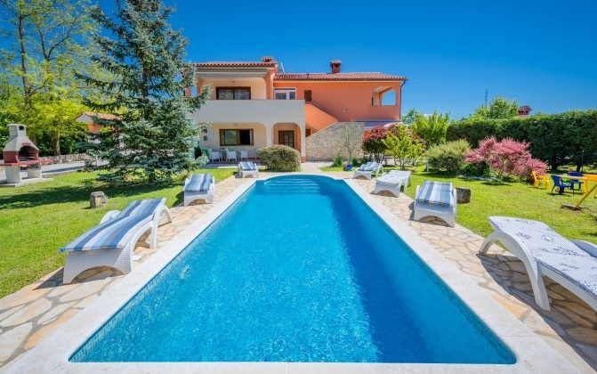 Ferienhaus und Pool - Objekt 160284-310