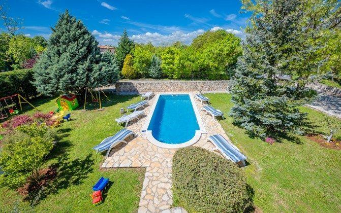 Pool und Garten - Bild 1 -  Objekt 160284-310
