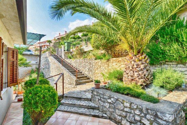 Treppen zum Haus von der Straßenseite - Objekt 160284-314
