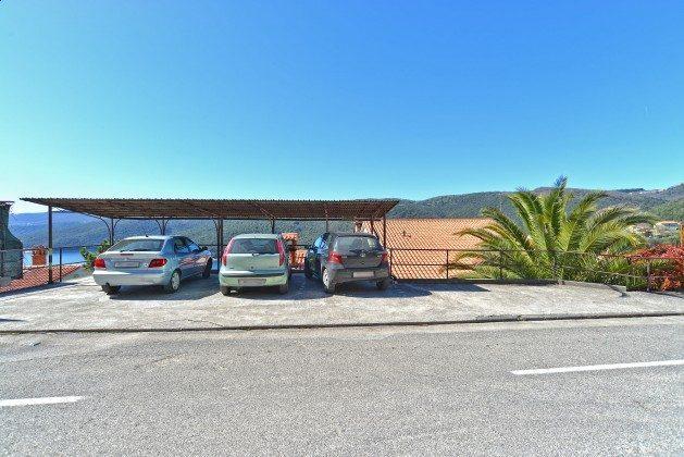 private Parkplätze an der Straße - Objekt 160284-314