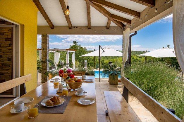 Terrasse und Grill - Objekt 215611-1