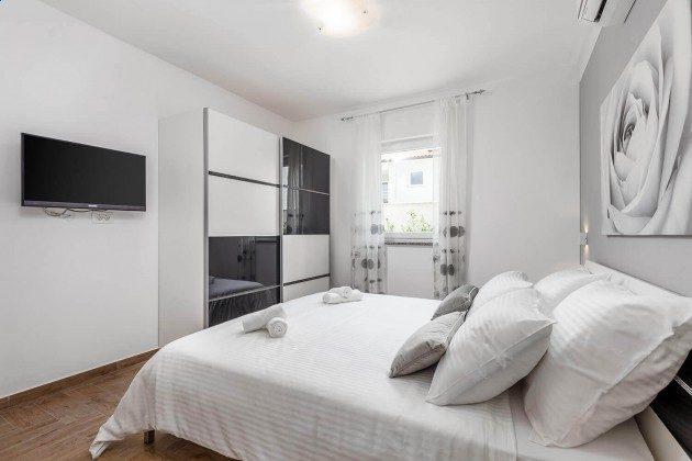 Schlafzimmer 1 - Bild 2 - Objekt 215611-1