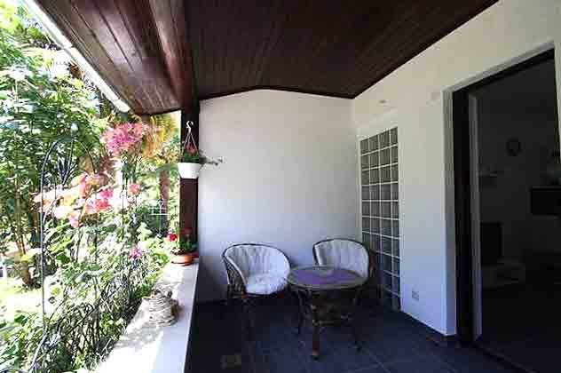 Ferienwohnung Porec überdachte Terrasse