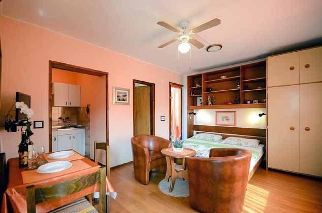 ST2 Wohn-Schlafzimmer