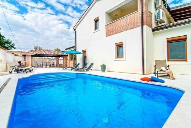 Pool und Poolterrasse - Objekt 138493-21