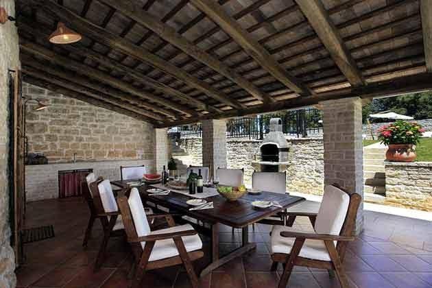überdachte Terrasse am Haus - Objekt 138493-5