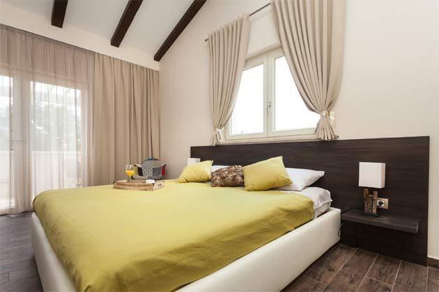 Schlafzimmer 1 von 3 - Objekt 160284-104 Bild 1