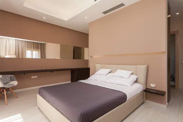 Schlafzimmer 2 von 3 - Objekt 160284-104 Bild 1