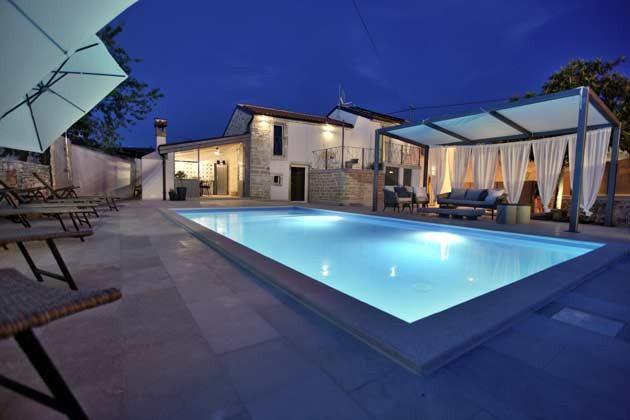 Villa und Pool - Bild 1 - Objekt 160284-202
