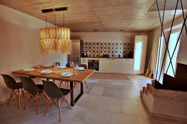 Küchenzeile und Esstisch im Wohnbereich - Objekt 160284-202