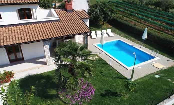 Blick auf Garten und Pool - Objekt 160284-214