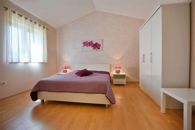 Schlafzimmer 1 - Bild 1 - Objekt 160284-215