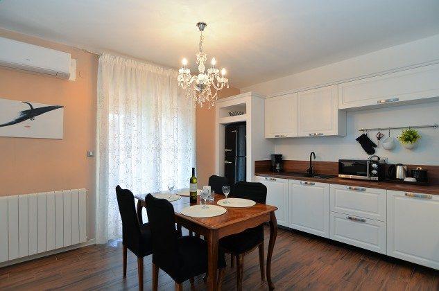 FW3  Küche - Bild 2 -  Objekt 160284-250