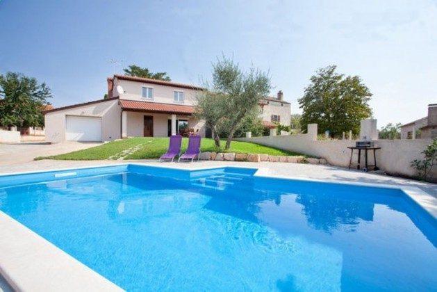 Ferienhaus und Pool - Objekt 160284-278