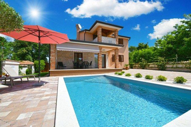 Ferienhaus und Pool - Bild 1 - Objekt 160284-308
