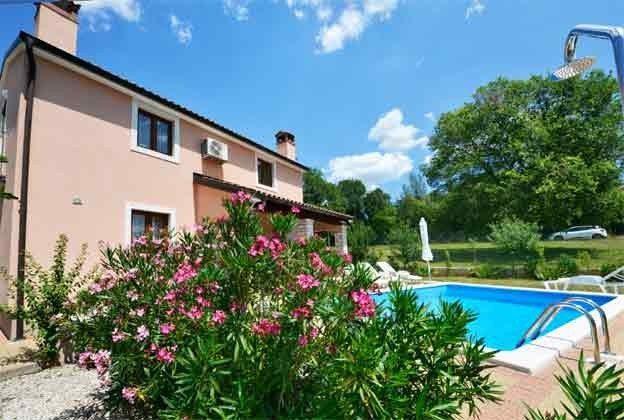 Ferienhaus und Pool - Bild 2 - Objekt. 160284-33