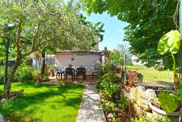 A1 weitere Terrasse im Garten - Bild 1 - Objekt 160284-43