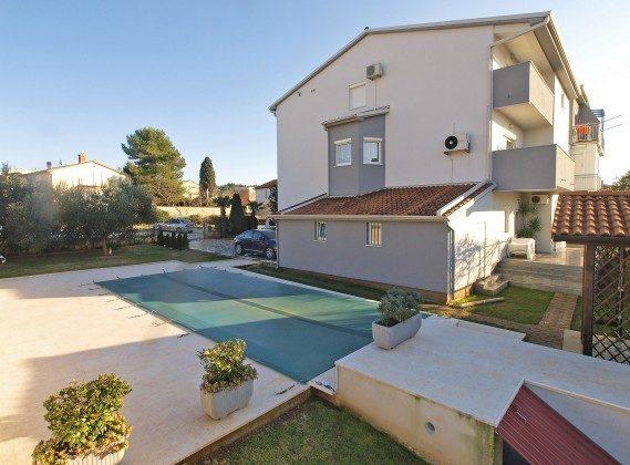 Apartmenthaus und Pool - Bild 2 - Objekt 160284-276