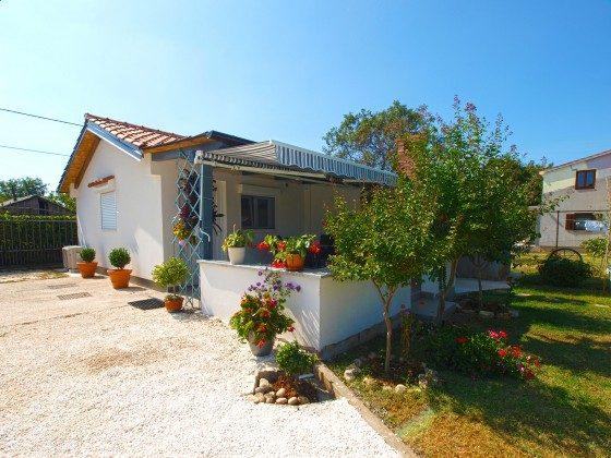 Ferienhaus und Garten - Bild 1 - Objekt 160284-285