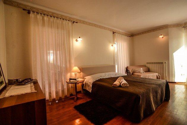 Schlafzimmer 1 - Bild 1 - Objekt 160284-323