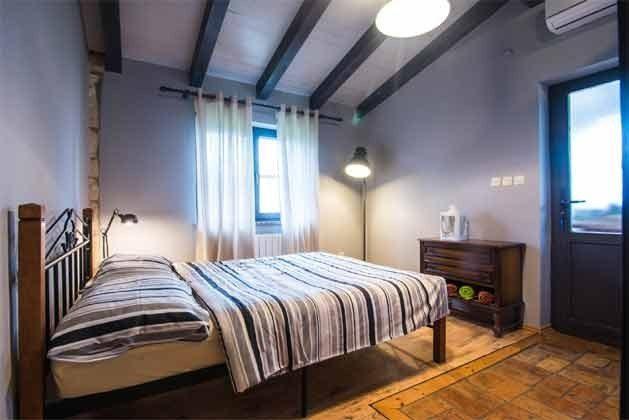 FW 1 Schlafzimmer 1 von 3 - Bild 2 - Objekt 160284-67