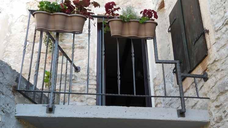 1. Stock Balkon zum Innenhof - Bild 1 - Objekt 145010-1