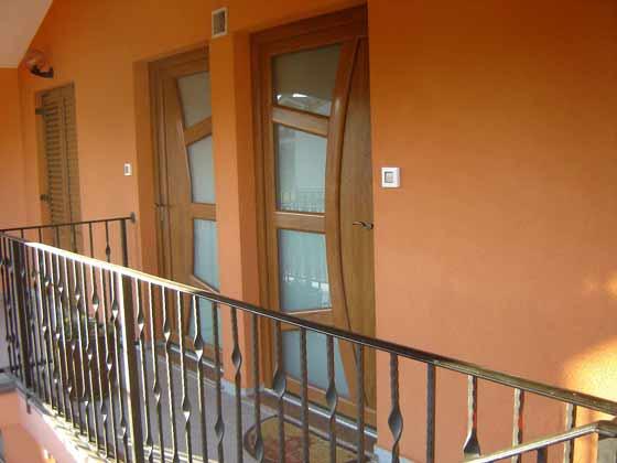 Eingänge zu den Apartments