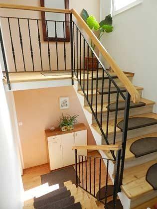 Treppenaufgang zur 2. Etage - Objekt 153168-1