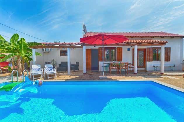 Ferienhaus mit Pool - Objekt 160284-1