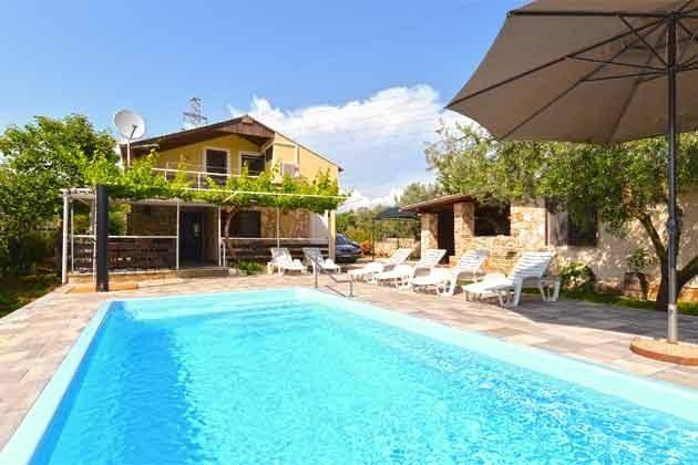 Pool und Poolterrasse - Bild 1 - Objekt 160284-126