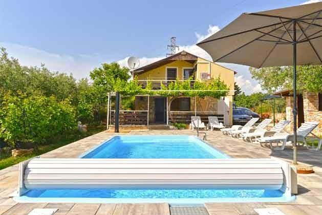 Pool und Poolterrasse - Bild 2 - Objekt 160284-126