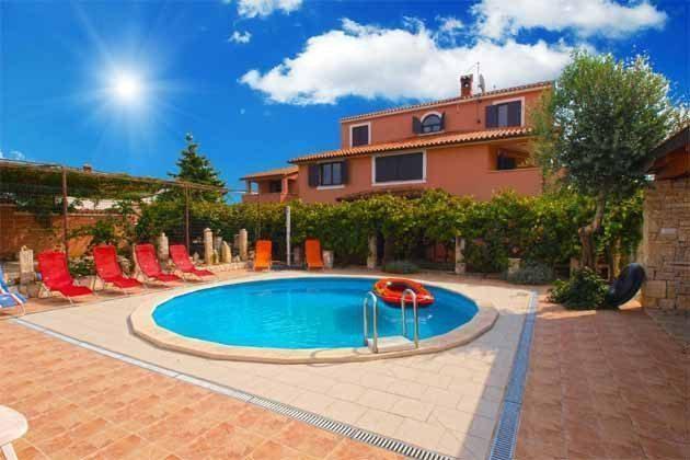 Apartmenthaus und Pool - Objekt 160284-130