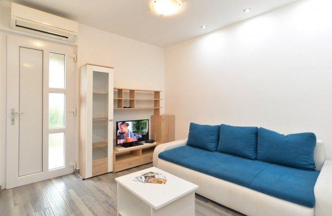 FW2 Wohnzimmer mit Schlafcouch - Bild 1 - Objekt 160284-132