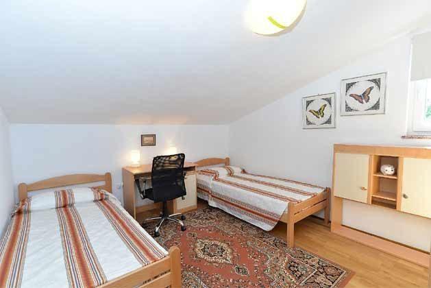 Schlafzimmer 3 von 5 - Bild 1 - Objekt 160284-135
