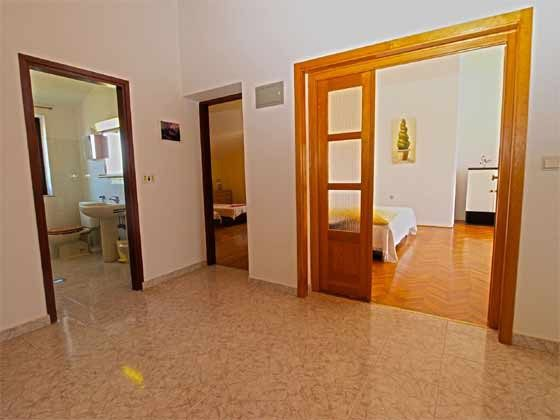 A3 Küche und Blick ins Wohnzimmer - Objekt 160284-151