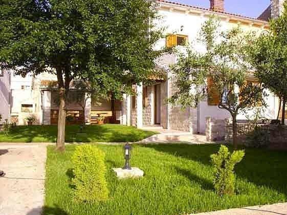 Garten und Blick auf die Terrasse- Objekt 160284-15
