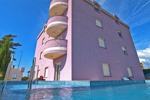 Apartmenthaus und Pool - Objekt 160284-167