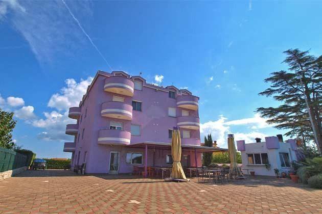 Apartmenthaus und Gemeinschaftsterrasse - Bild 1 - Objekt 160284-167