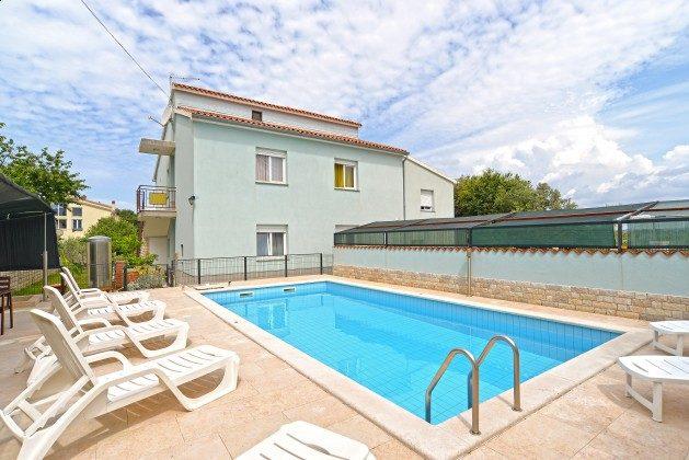 Pool und Poolerrasse - Bild 1 - Objekt 160284-173