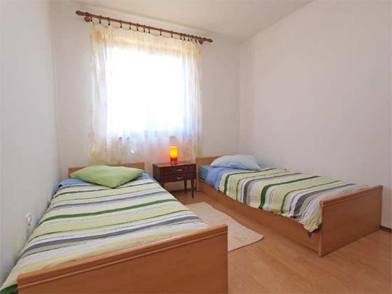 Schlafzimmer 2 - Bild 1 - Objekt 160284-176