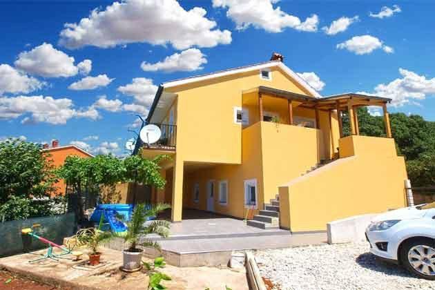 das Haus und Aufgang zur Ferienwohnung - Objekt 160284-180
