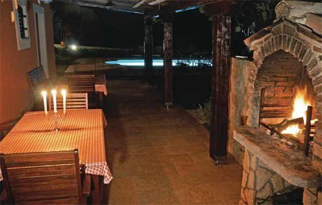 überdachte große Terrasse mit Grill - Bild 3 - Objekt 160284-191