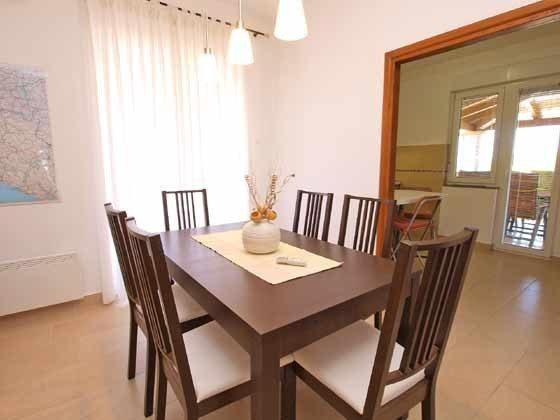 OG Wohnraum mit Durchgang zur Küche