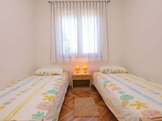 OG Schlafzimmer 2 (2 Einzelbetten)